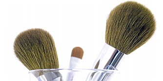 VASK ER VIKTIG: Det er viktig å vaske sminkekostene, og det er verken dyrt eller tidkrevende.