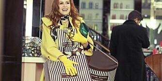 SHOP PÅ NETT: Ved å shoppe på nettet slipper du å bære rundt på store poser.