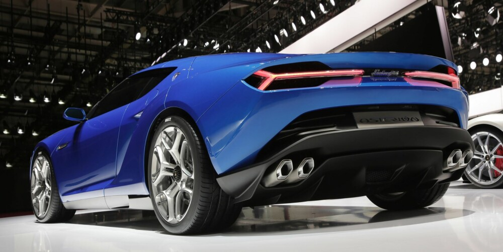 LEKKER: Vi må bare innrømme at vi synes den ser veldig bra ut. FOTO: Lamborghini