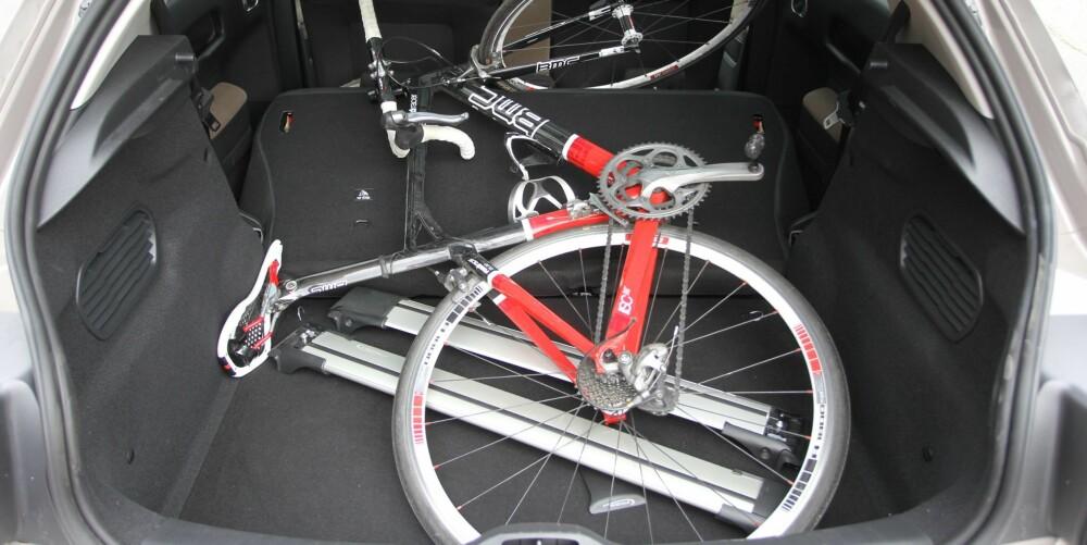 BAGASJEPLASS: Plass til sykkel? Lett. FOTO: Martin Jansen