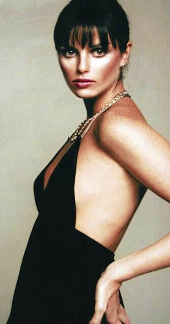TRAGISK UTFALL: I 2006 ble den 21 årige brasilianske modellen Ana Carolina Reston innlagt på sykehus grunnet nyresvikt forbundet med anoreksi. Hun døde kort tid etter. Ana Carolina var 172 centimeter og veide 40 kilo.