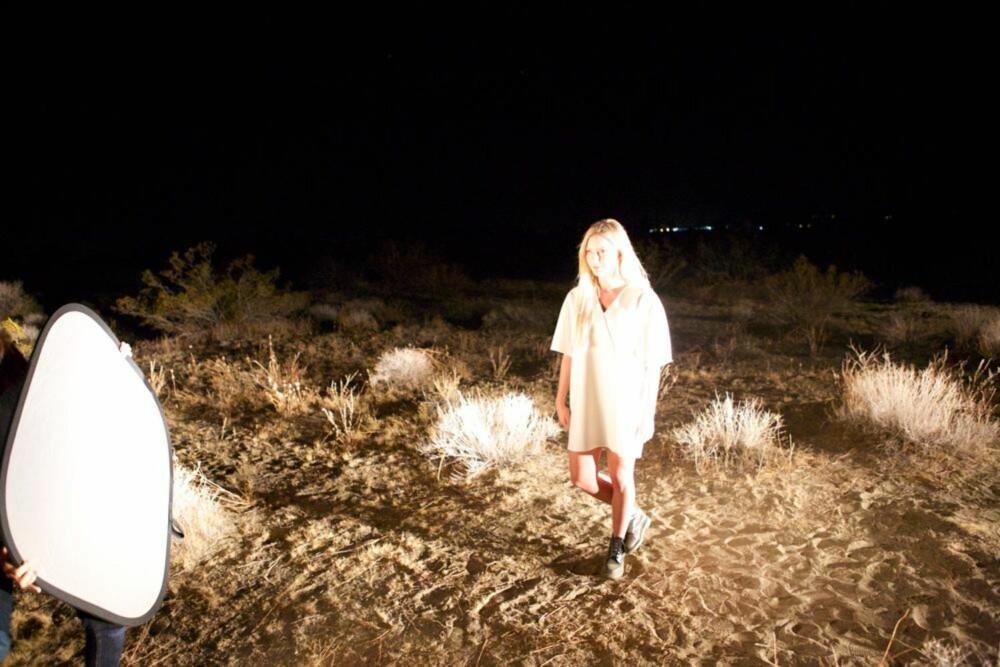 """DRO TIL UTLANDET: Musikkvideoen til """"2AM"""" ble spilt inn i utlandet, og er i skrivende stund sett av over femti tusen fans på YouTube."""