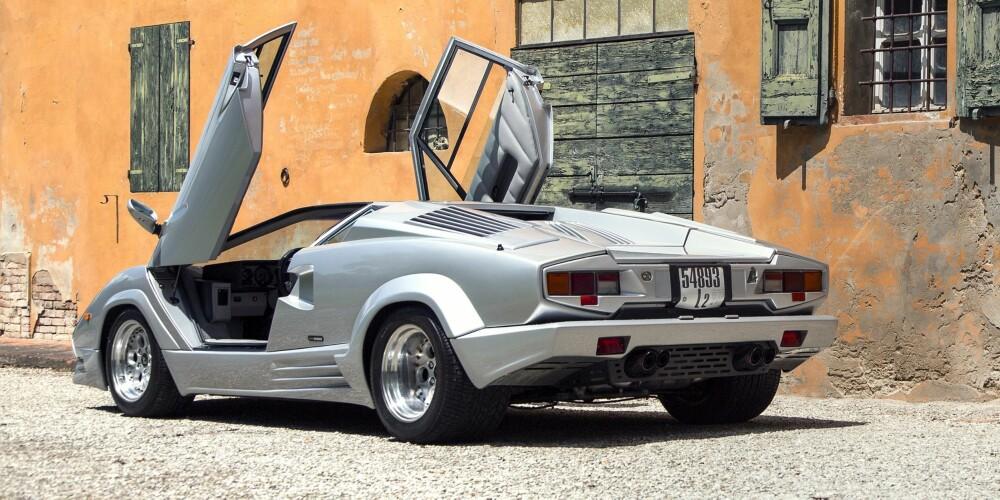 JUBILEUMSMODELL: Lamborghini Countach 25th Anniversary. FOTO: Lamborghini