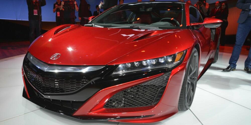DETROIT: Honda NSX (Acura NSX i USA) ble avduket på bilutstillingen i Detroit. FOTO: Honda
