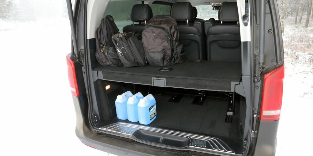 Hylle: Det er god plass i bagasjerommet om du stabler i høyden. En hylle med oppbevaringsrom gjør den jobben enklere.