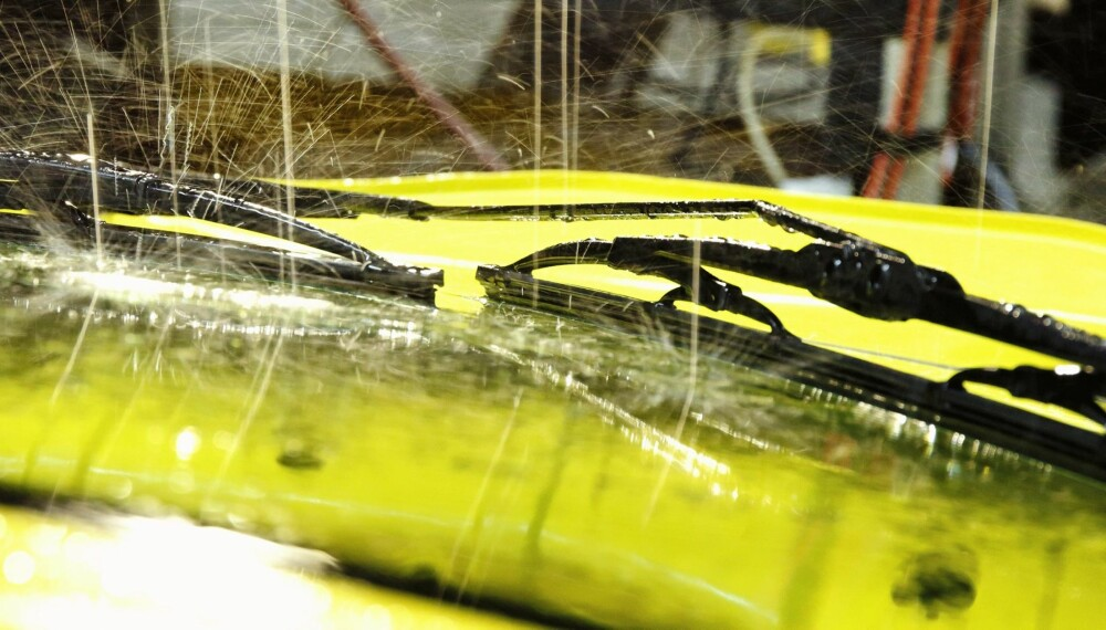 OMFATTENDE TEST: NAF har i samarbeid med sin tyske søsterorganisasjon ADAC testet sju ulike modeller av vindusviskere. Viskere fra hele spekteret er med. Alle viskerne er kjøpt i butikk på vanlig vis.