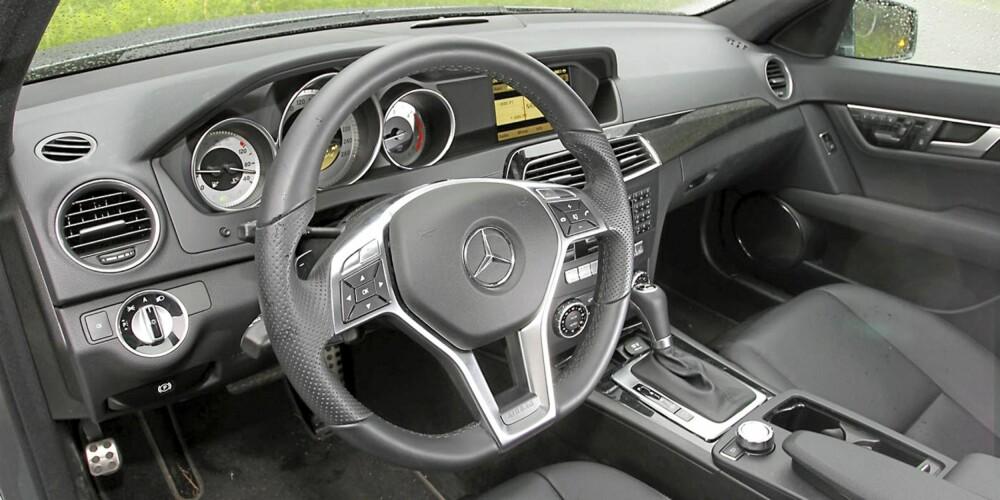 ELEGANT: Etter faceliften våren 2011, gir Mercedes C-klasse et mer gedigent kvalitetsinntrykk innvendig.