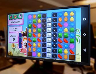 MOBILSKJERM: På Android 4.4.2 og nyere kan du sende hele mobilskjermen til TV-en. Det gjør at du kan spille Candy Crush Saga på storskjerm.