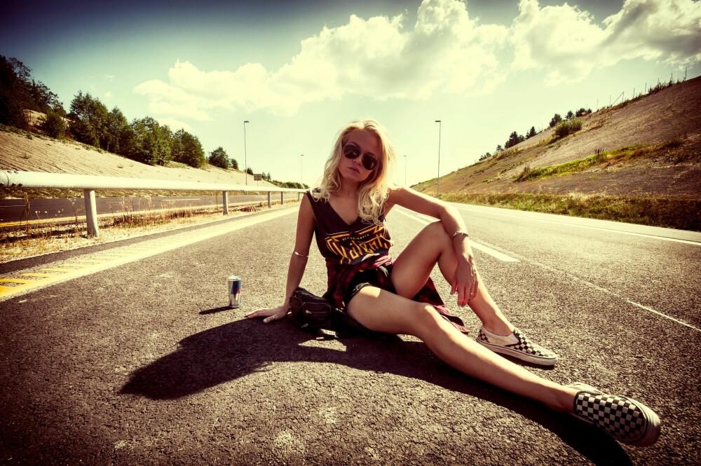 LAIDBACK: Astrid-Helen Holm foretrekker lær og sneakers.