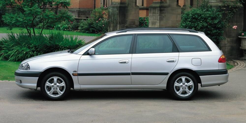 SOLID: Toyota Avensis er en gjenganger på statistikker over biler som holder seg godt. FOTO: Toyota