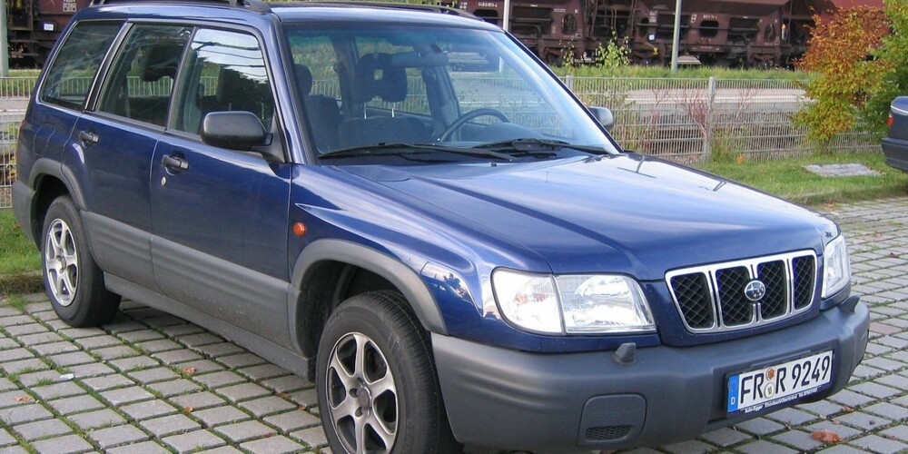 FØLGESVENN: Eneste SUV-aktige bil med toppkarakter fra Dekra er Subaru Forester. Her slik den så ut i 2001-2002.