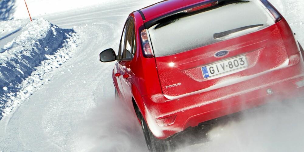 TESTBIL: En Ford Focus er benyttet som testbil med dekkdimensjon 205/55R16. FOTO: Lasse Allard