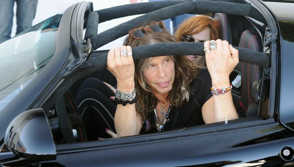WALK THIS WAY: Steven Tyler, frontfiguren i Aerosmith, er den stolte eier av en Venom GT, som er temmelig lik bilen som skal forsøke å klå Bugatti Veyron 16.4 Super Sport. FOTO: Drew Philips