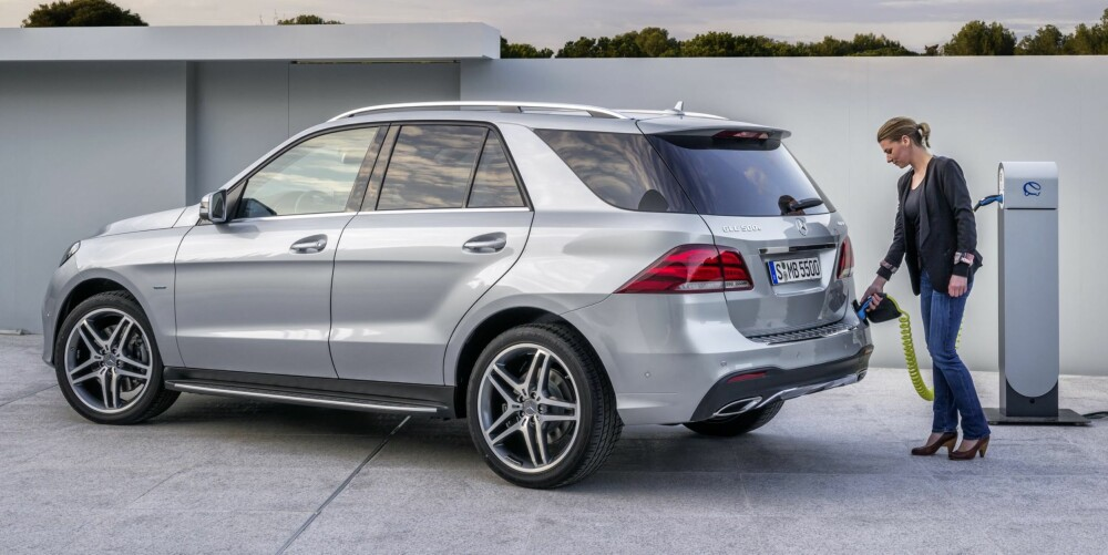 HYBRID: Mercedes GLE kommer som ladbar hybrid, GLE 500 e 4Matic. FOTO: Daimler AG