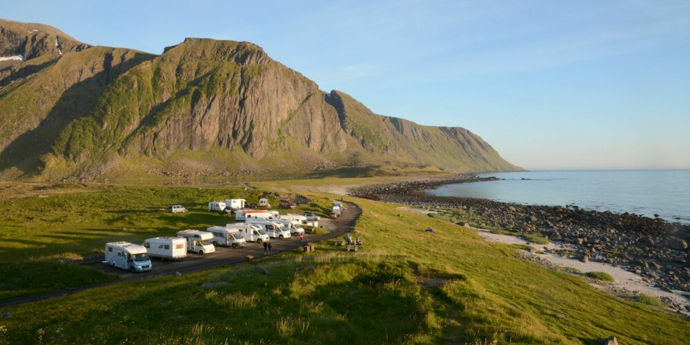 POPULÆRT: Eggum i Lofoten virker som fluepapir på bobilister.