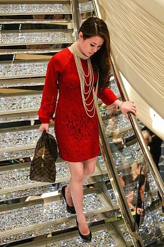 Det er ikke slik at du er stivpyntet hele tiden, men en pen kjole bør du ha med deg.
