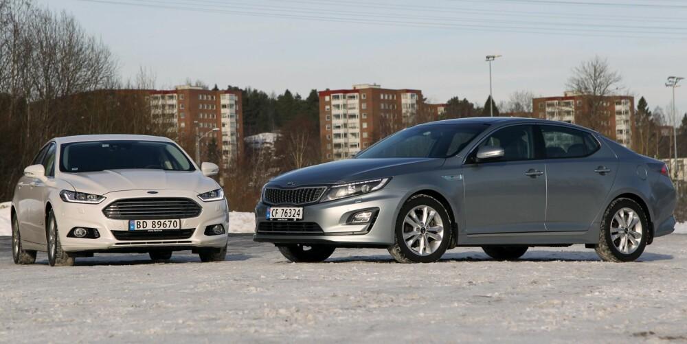 FINE BILER: Både Kia Optima og Ford Mondeo ser bra ut og har mange gode kvaliteter. Vi tror likevel salget blir så som så, for hybridene finnes kun som sedan foreløpig.