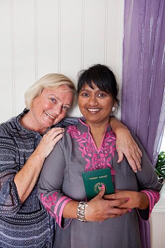 Lill Joyanti og mamma Wenche Delbekk deler en sterk historie.