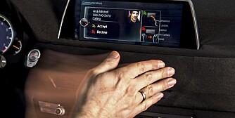 iDRIVE: Fortstår håndbevegelser. FOTO: BMW