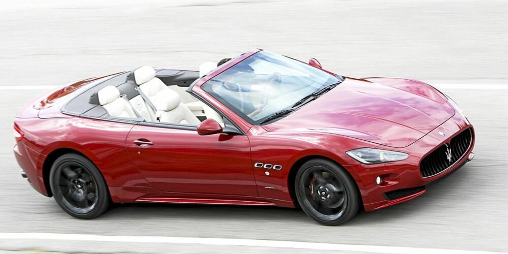 FRYD FOR ØRET: Endringer i eksosen og høyere maksimalt turtall lar deg spille melodier med Maserati GranCabrio Sport. FOTO: Top Gear