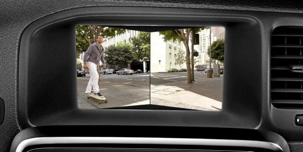 SIKKERHET: Ingen ny Volvo uten masse sikkerhetsutstyr. Her bildet fra to frontkameraer som titter rundt hjørner.