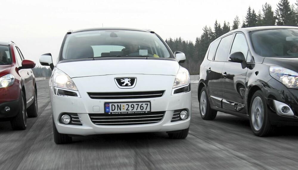 UNDER 350 000: Det er fullt mulig å realisere nye, store og gode familiebiler til under 350 000 kroner. FOTO: Egil Nordlien, HM Foto