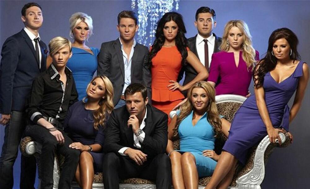 TOWIE-GJENGEN: TOWIE, The only way is Essex, er en britisk realityserie som følger en vennegjeng fra Brentwood i Essex og hverdagen deres. Jentenes stil har seneste tiden blitt en egen trend. Her ser du gjengen som var med sesong tre.