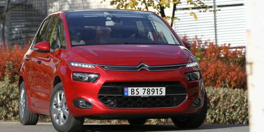 SOM KONSEPTET: I den fremre halvparten har Citroën beholdt en look som minner mer om en spenstig konseptbil enn en modell som er kommet i vanlig produksjon. FOTO: Petter Handeland