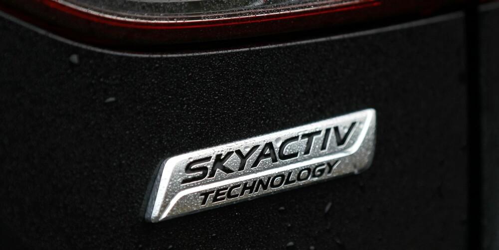 VIRKER: Skyactive er Mazdas navn på det de kaller en helhetlig tenkesett for å redusere vekt og forbruk i nye bilmodeller. Skyactive har en effekt, for vi har aldri tidligere kjørt en bil med toliters bensinmotor som har greid testrunden på 0,55 l/mil. FOTO: Petter Handeland