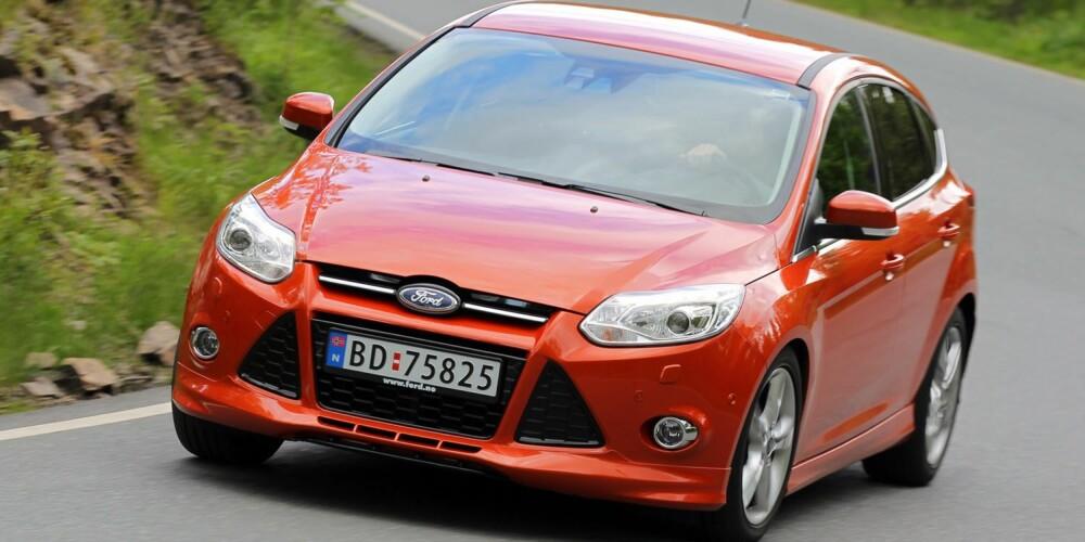 TØFF LYD: Ford Focus 1,0 EcoBoost har tøff lyd og fine ytelser: 999 cm³, 125 hk, 200 Nm, 0-100 km/t 10,9 sek., toppfart 195 km/t, testforbruk 0,56 l/mil. FOTO: Terje Bjørnsen