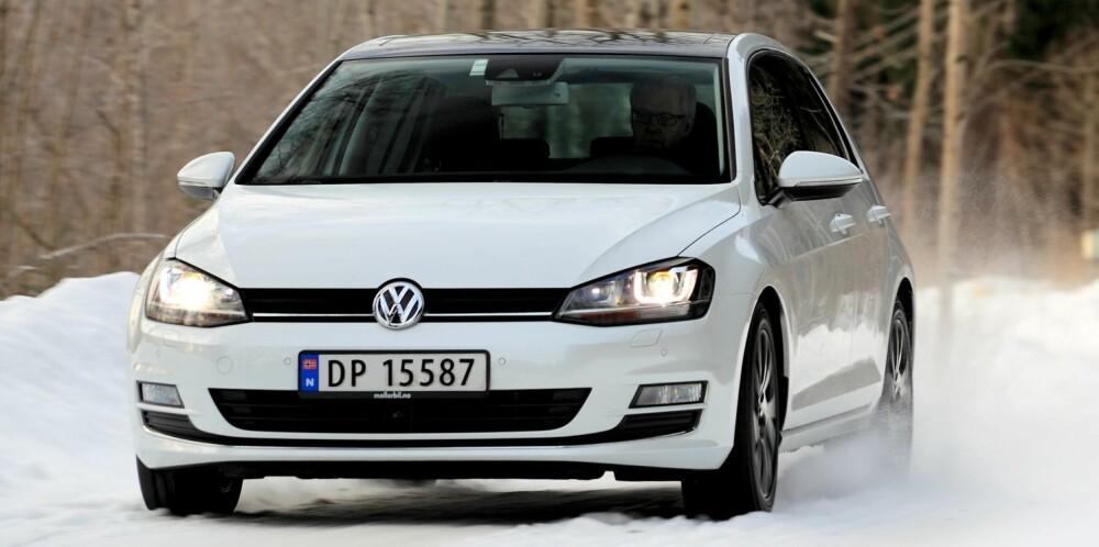MODERNE KOMBO: VW Golf 1,4 TSI ACT DSG er en topp moderne motor/gir-kombinasjon: 1395 cm³, 140 hk, 250 Nm, 0-100 km/t 8,4 sek., toppfart 212 km/t, testforbruk 0,61 l/mil. FOTO: Egil Nordlien, HM Foto
