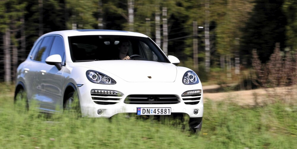 LUKSUS-SUV: Porsche Cayenne er en drømmeSUV som står til fem på terningen.