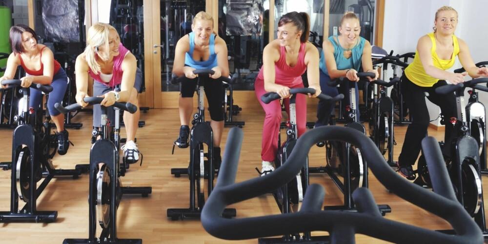 LETT START: Mange tror de må trene seg opp for å være med på en sykkeltime, men det er så langt fra sannheten man kommer.