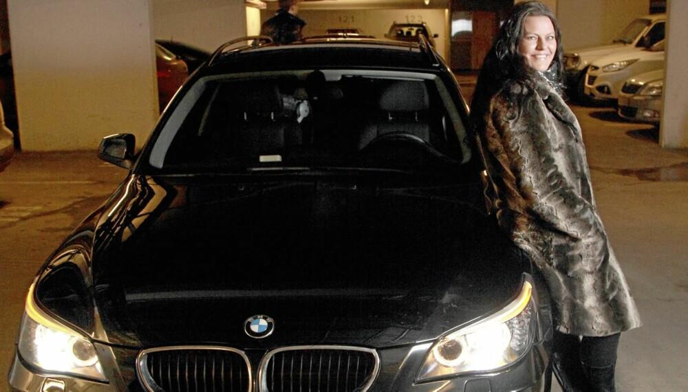 SPARTE MYE: Catrine fant ut at hun kunne spare mye penger på å importere en 2010-modell BMW 5-serie sammenlignet med en tilsvarende bil i Norge.