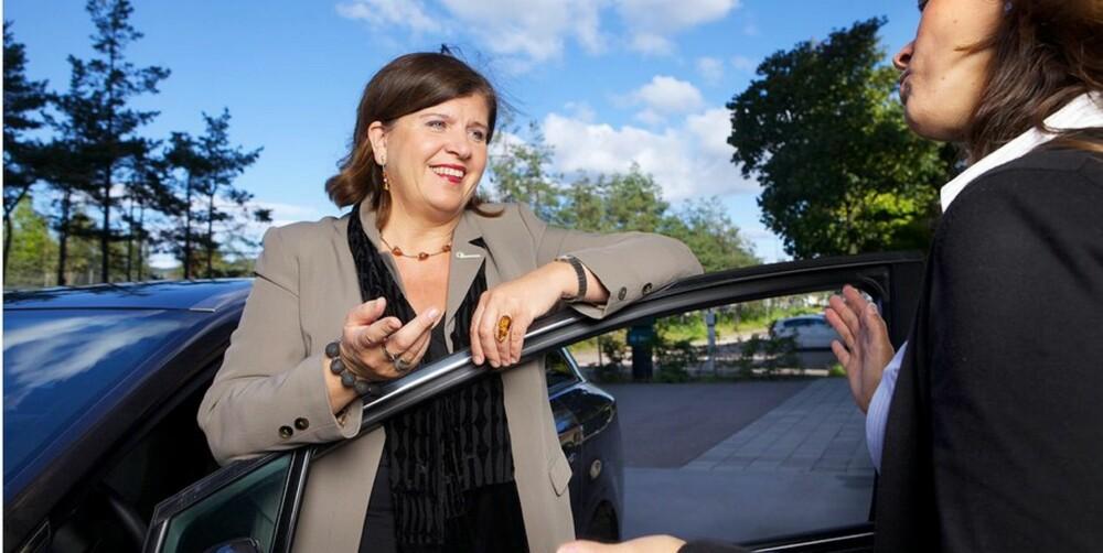 IKKE LØP OG KJØP: - Holdt hodet kaldt selv om drømmebilen dukker opp på nett, oppfordrer Ingeborg Flønes, direktøren for forbrukerservice i Forbrukerrådet. FOTO: Forbrukerrådet