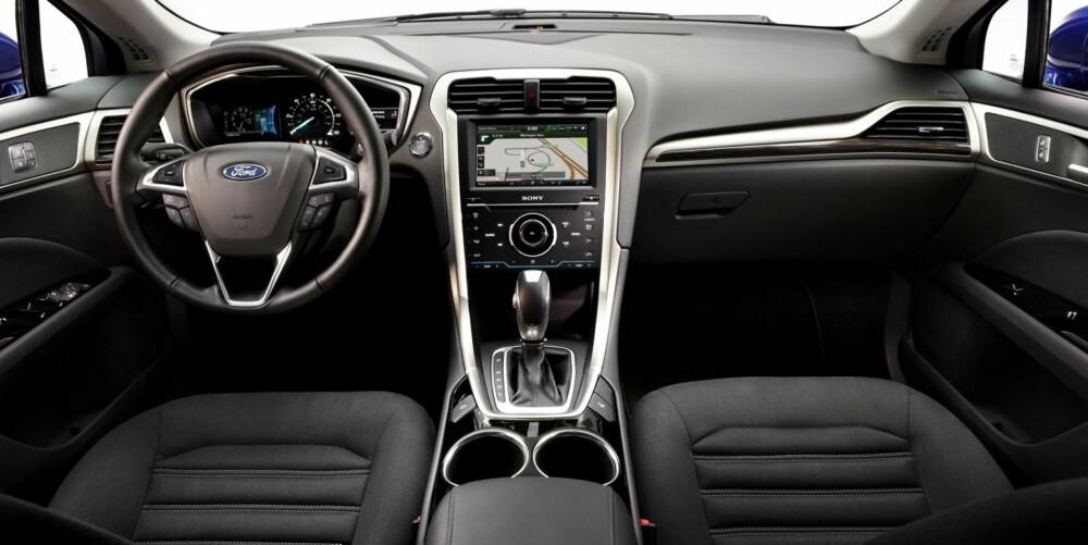 EVO: Eksteriøret og interiøret er totalt omarbeidet. På utsiden innebærer dette en litt utvannet versjon av stilen og uttrykket til konseptbilen Ford Evo. FOTO: Ford