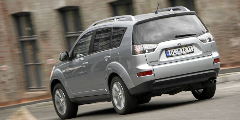 OUTLANDER: Norgesfavoritten Outlander er blant de beste SUV-ene med kjørelengde 50 000-100 000 km.