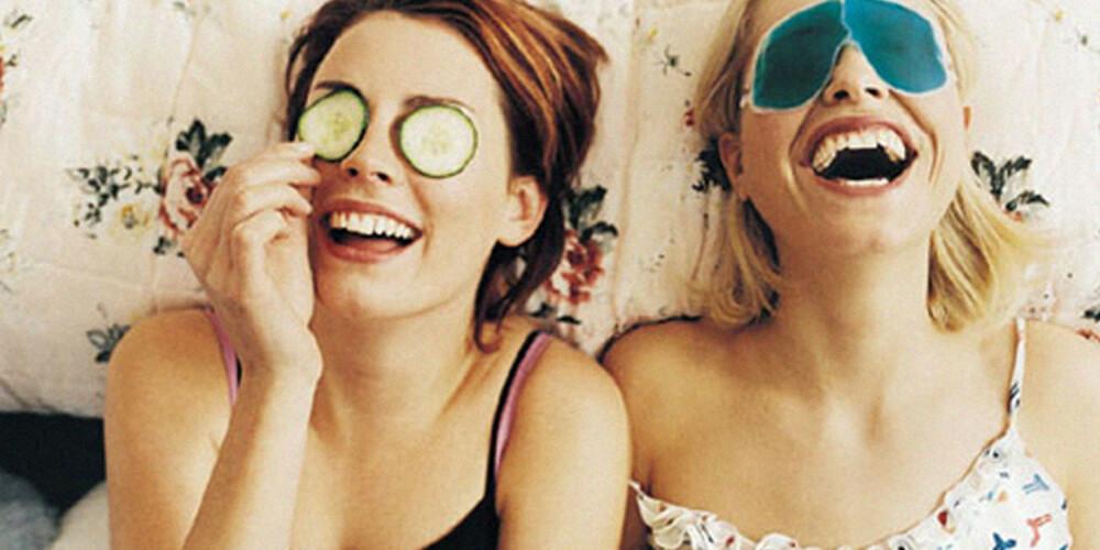 GRØNT OG SKJØNT: Mange sverger til hudpleie man lager av frukt og grønt. De lærde strides om hvor effektivt dette er for huden på sikt.