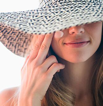 ABSOLUTT IKKE: Det finnes tips og råd på internett og blogger om hvordan du skal lage din egen solkrem. Glem det, sier ekspertene.