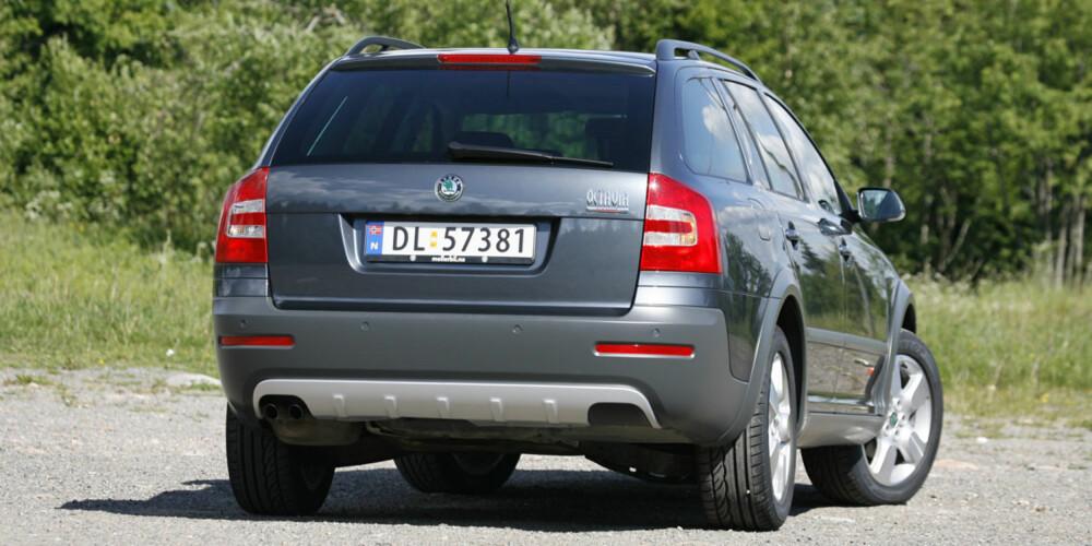 SKODA OCTAVIA SCOUT: Med bakkeklaring på 18 cm er dette en real SUV-erstatning.