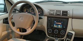 I forbindelse med faceliften for modellår 2002 ble bl.a interiøret mer moderne.