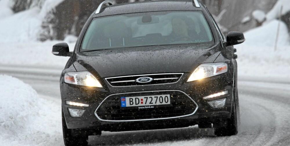 FUNGERER UTMERKET: Ford Mondeo med liten diesel fungerer fint selv om bilen er stor. FOTO: Terje Bjørnsen