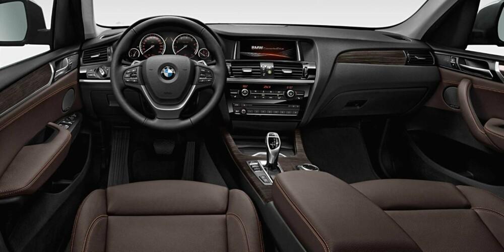 PÅKOSTET: Ifølge BMW skal nye materialer og enkelte endringer i midtkonsollen øke statusbilføleslen innvendig. FOTO: BMW