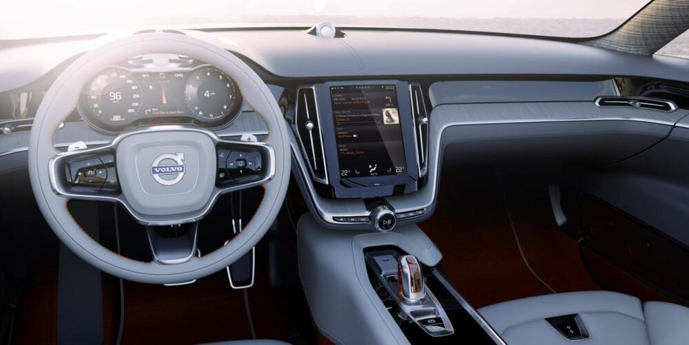 BRETTLØSNING: Knappemylder erstattes av en stor berøringsskjerm. Løsningen minner om den man finner i Tesla Model S. FOTO: Volvo