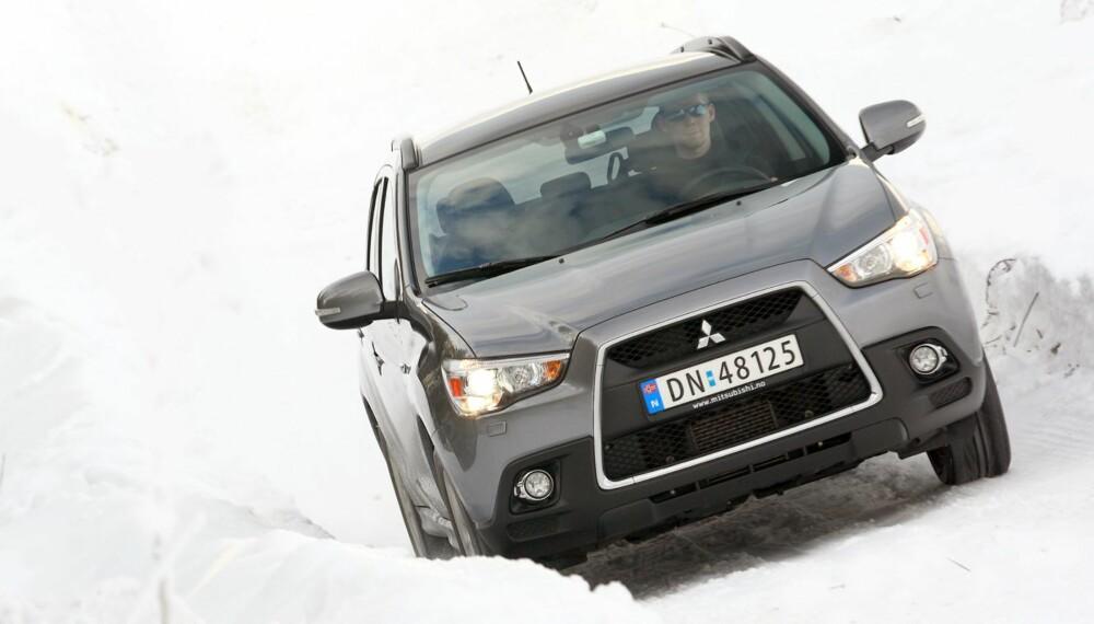 OUTLANDER: Teknisk sett er ASX basert på den større SUV-en Outlander. Det nyter den godt av.