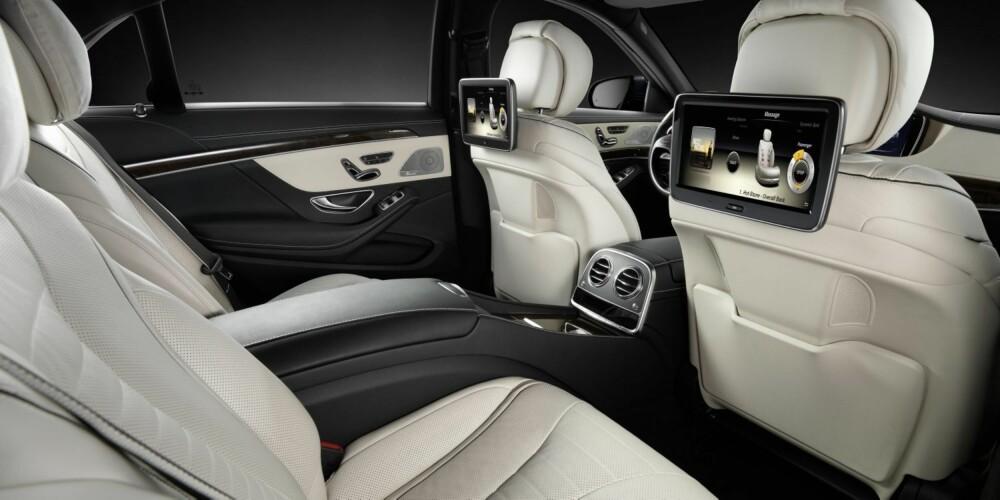 MASSASJE: Selvsagt kan S-klasse fås med massasje i setene - det skulle bare mangle etter tøffe møter på konserntoppnivå. Tyske biljournalister som har fått sitte på allerede, melder om en tilnærmet støyfri kupé. FOTO: Mercedes-Benz