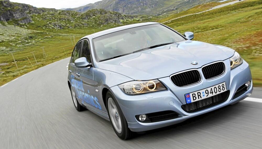 MEST VIST: Med soleklar margin er BMW 3-serie bilmodellen med flest visninger på Finn.no. Her er forrige generasjon, som ifølge Dekras bruktbilstatistikk fortsatt holder seg meget godt. FOTO: Terje Bjørnsen