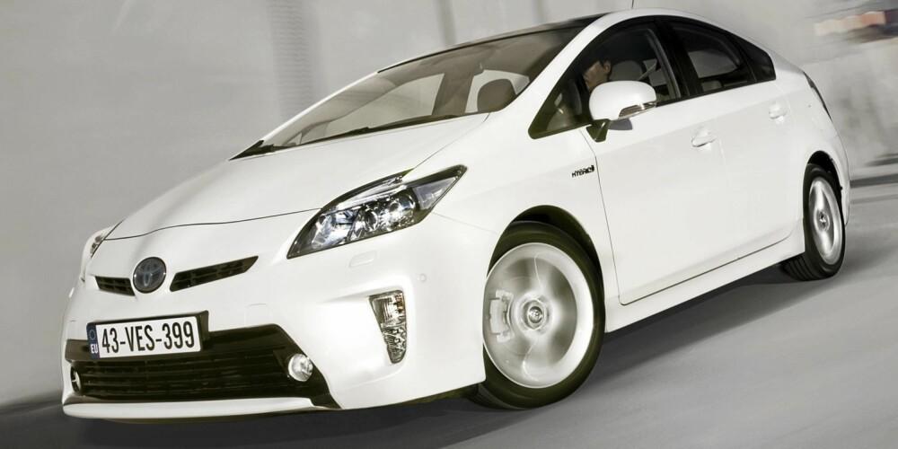 IKKE BEST: Toyota er med i toppen, men vinner ikke i noen av de ni kategoriene. Prius er ifølge Dekra tredje beste bruktbil i kompaktklassen.