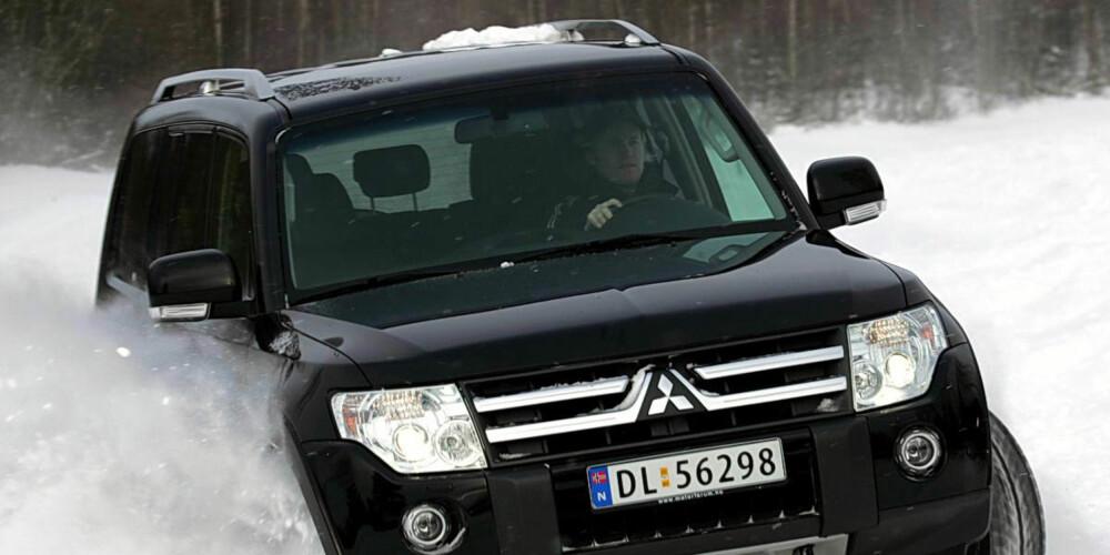 TØFFING: En stor og barsk SUV som Mitsubishi Pajero er høyt på SUV-ønskelisten, dersom vi legger Finn-søk til grunn. FOTO: HM Arkiv