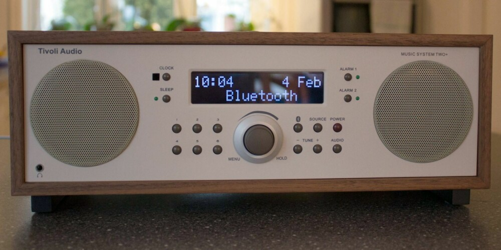 RETRO: Tivoli Music System Two+ er en stilig retroradio med trådløs streaming via Bluetooth.
